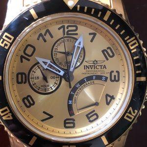 Invicta men's watch Gold